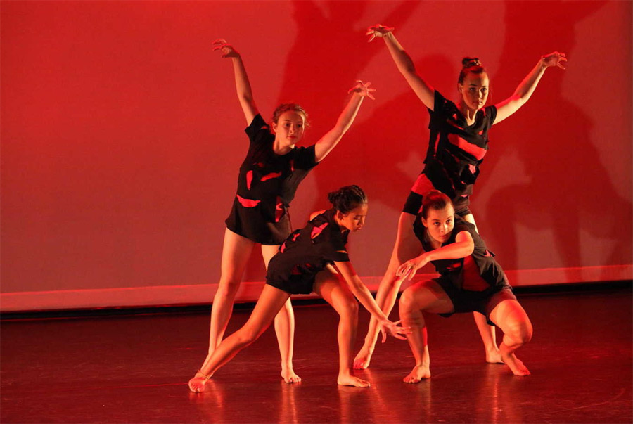 Class-Ballet-Contemporary-Dance