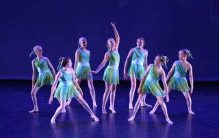Class-Contemporary-Dance